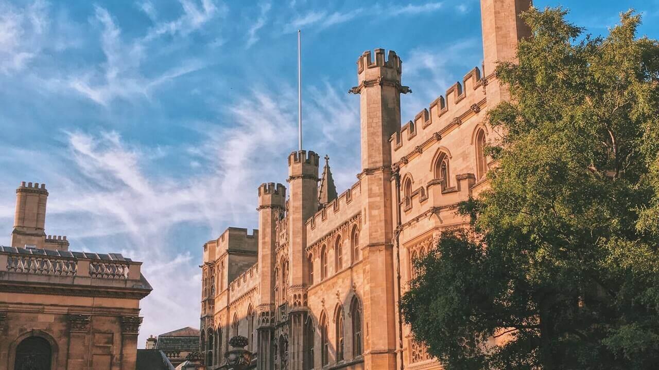 Srednja škola u UK-u